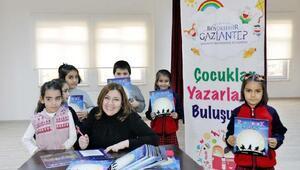 Gaziantepte, çocuklar yazarlarla buluşuyor