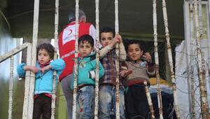 Irakın kabul etmediği Suriyelilere evini tahsis etti