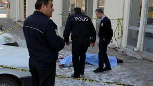 Kayseride sağlık memuru 4üncü kattan atlayıp intihar etti