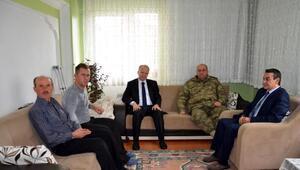 Tekirdağ Valisi Ceylan, El Bab gazisini ziyaret etti