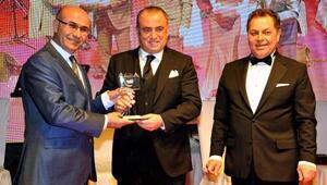 Fatih Terime memleketi Adanada Onur Ödülü verildi