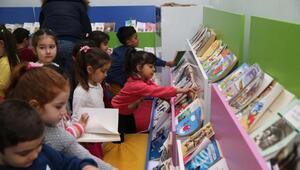 Karşıyakada çocuk kütüphanesi sevildi