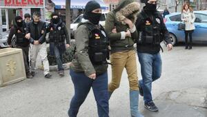Eskişehirde 2 İranlıya uyuşturucudan gözaltı