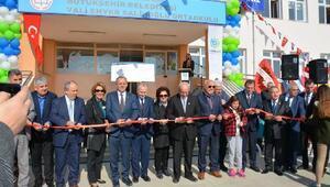 Tekirdağda Vali Enver Salihoğlu Ortaokulu törenle Milli Eğitime teslim edildi