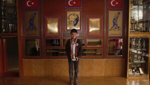 8 yaşındaki şampiyon Brezilya yolcusu