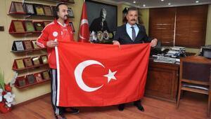 Başkan Tunadan, şampiyon sporcu Göke destek
