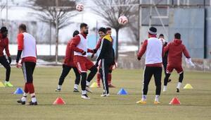 Sivasspor teknik direktörü Bakkal: Artık final oynuyoruz