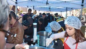 Süleymanpaşa Belediyesi 57 Alay şehitleri için pilav dağıttı