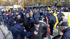 Mitingler için özel kıyafetli 2 bin polis