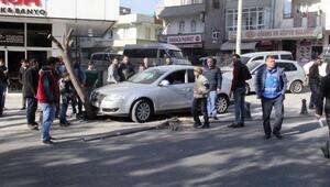Şanlıurfa'da otomobil ile kamyonet çarpıştı: 1 yaralı