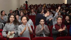 Çocuklar Orhan Kemali oğlundan dinlediler