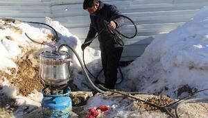 Donan su borularına düdüklü tencereli çözüm