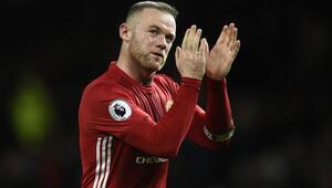 Rooney, Manchester Unitedda kalacak
