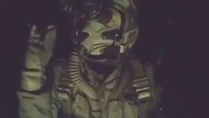 El Babı bombalarken Nusret taklidi yaptı sosyal medya onu konuştu.. İşte o görüntüler