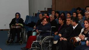 Engelliler ve aileleri seminerde buluştu