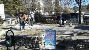 Parklarda bahar temizliği başladı