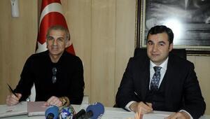 Gaziantep Büyükşehir, Oğuz Çetin ile sözleşme imzaladı