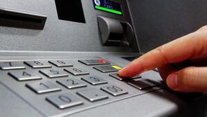 ATM dolandırıcılarından inanılmaz yöntem Sahte paraları böyle yutturdular