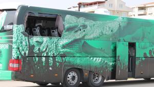 Bursaspor otobüsüne saldıranların kimlikleri belli oldu