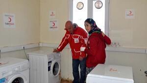Ayvacıkta depremzedelere mobil çamaşırhane