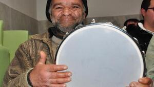 Ruh hastalarına müzikli terapi