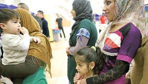 Sığınmacılara yönelik saldırılarda 560 kişi yaralandı