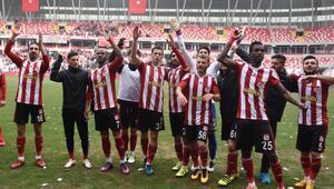 Sivasspor-Gaziantep Büyükşehir Belediyespor Ek Fotoğraflar