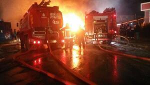 İstanbulda atık aktarma tesisinde yangın