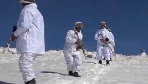 Komandolar ırak sınırındaki dağları teröristlerden temizledi