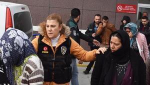 Polisin uyuşturucu baskını yaptığı evdeki kadınlar: Gün yapıyorduk