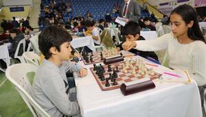Gaziemirde satranç turnuvası