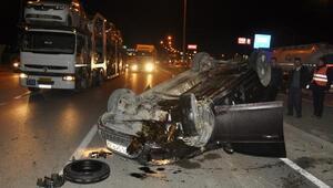 Köprülü kavşakta otomobil takla attı: 1 yaralı