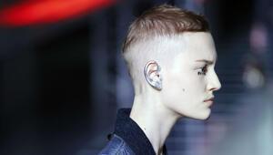 Garip ama çok moda: Kulak makyajı