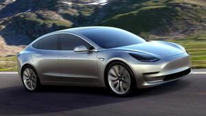 Teslanın yeni otomobili fena geliyor