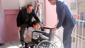 Rize Belediyesinden Silopili engelli kıza tekerlekli sandalye
