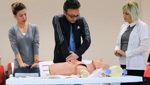 Sağlıkçılar yaşam destek eğitimi