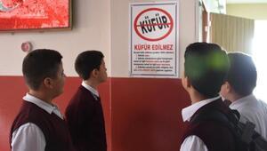 Ortaokulda Küfürsüz hava sahası projesi hayata geçti, ihlal eden öğrenci ceza aldı