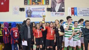 Kırıkkalede Liselilerin Futsal heyecanı