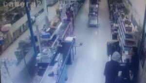 Silahlı market soygunu güvenlik kamerasında