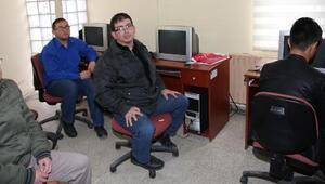 Görme engelli öğretmenden görme engellilere bilgisayar kursu