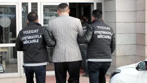 Kiralık otomobildeki uyuşturucuya 2 tutuklama