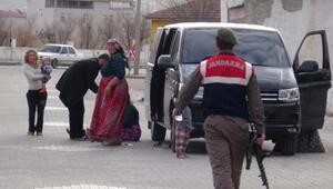 Halı çaldığı iddia edilen 5 kişi kovalamacada yakalandı