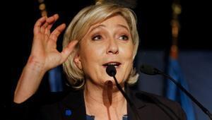 Marine Le Pen'nin dokunulmazlığını kaldırıldı