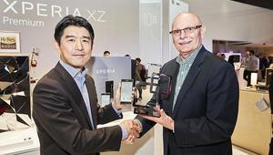 Sony Xperia XZ Premium Mobil Dünya Kongresinin en iyi akıllı telefonu seçildi