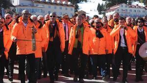 Ağaoğlu düğün öncesi akrabalarına sucuk partisi düzenledi