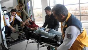Kaldırımda yürürken bacağından vuruldu