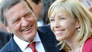 Schröder: Hata kadınlarda değil, bende