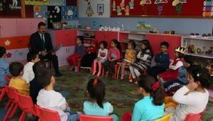 Başkan Kargı öğrencilere masal okudu