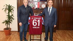 Teknik Direktör Yanal, Trabzon Emniyet Müdürü Arıkan'ı ziyaret etti