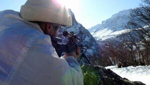Jandarma Özel Harekat temlerinin -15 derecede operasyonu